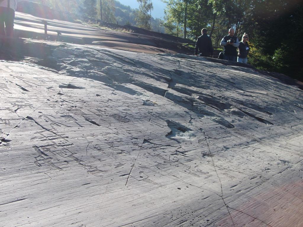 Benvenuti nella Valle dei segni: le incisioni rupestri