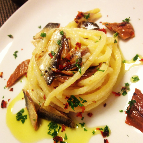 spaghetti con sardina essicata lago iseo
